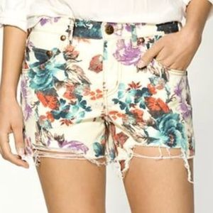 Free People floral cut off shorts size 26